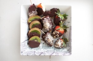 Chocolate Maca Fruit Bites